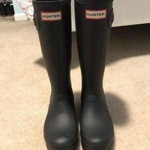 Matte black tall kid's Hunter boots